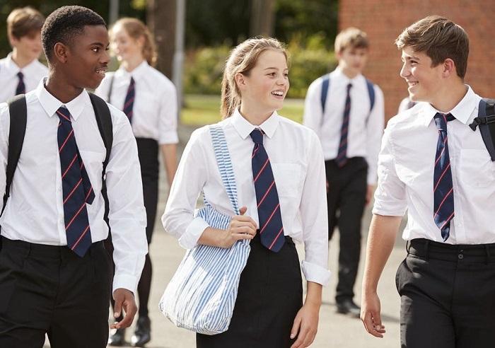 Đồng phục nhắc cho cho học sinh biết được vai trò học tập của bản thân